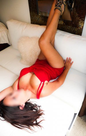 Yseline erotic massage