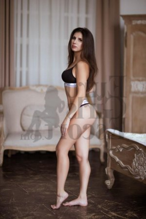 Adjila erotic massage in Lennox