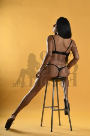 Sheyrine nuru massage in Elyria